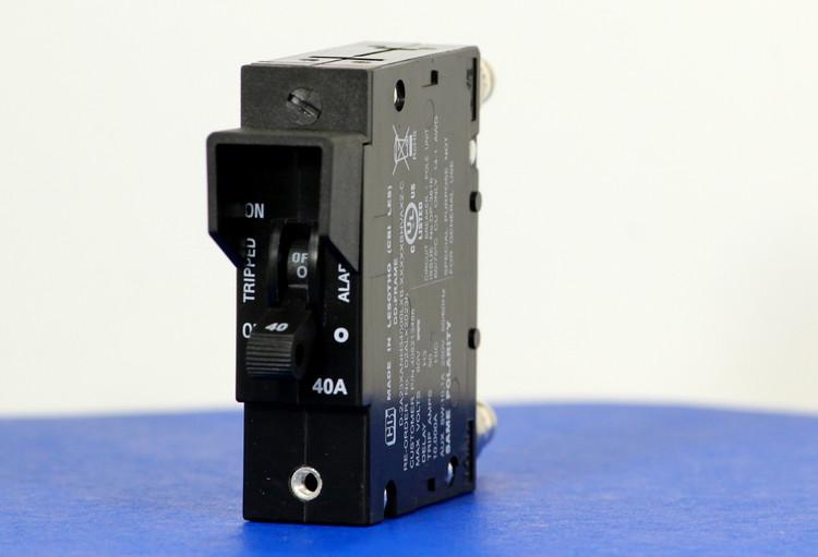 D2ALX20236 (1 Pole, 40A, 80VDC, Plug-In Terminals, Series Mid-Trip w/alarm, UL Listed (UL 489))