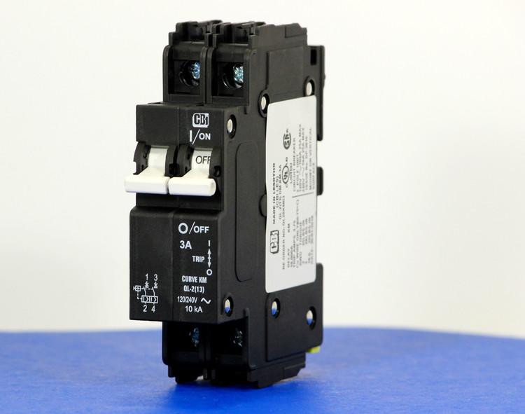 QL28KM03 (2 Pole, 3A, 120/240VAC; 240VAC, UL Listed (UL 489))