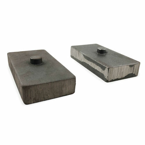 1 Inch Cast Iron Lift Blocks 13-18 Dodge Ram 3500 4WD Pair Tuff Country - 79067-BKFW
