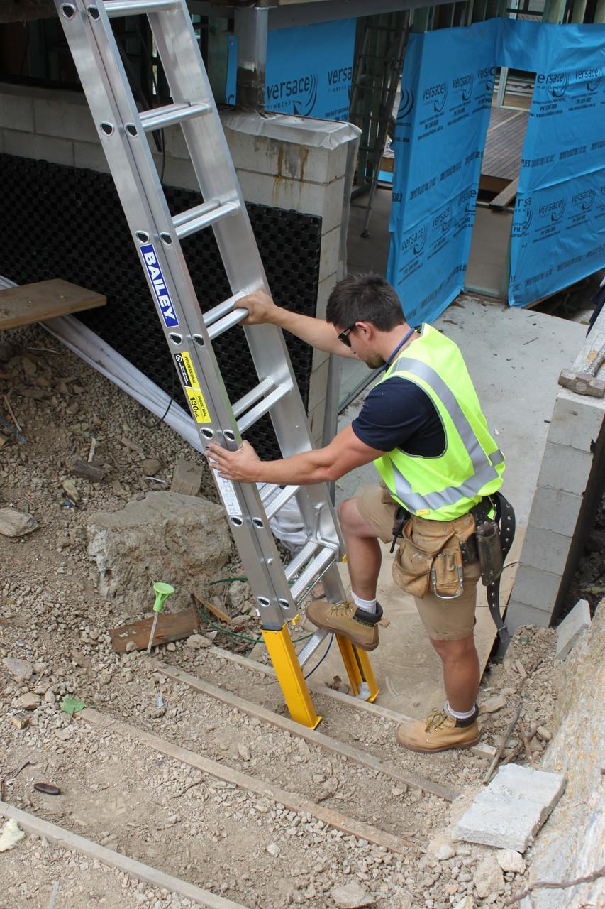 Bailey Extension Ladder Aluminium 130kg 3.2-5.0m Professional Leveller FS13462