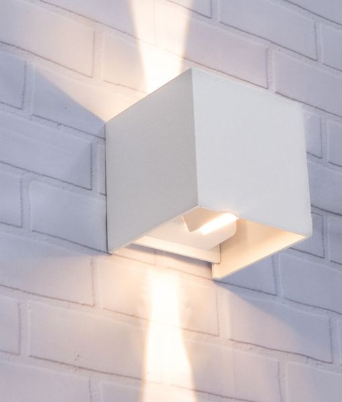 Outdoor LED Up/Down Wall Light White Toca2