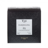 This summer tea of Darjeeling harvested on the Himalayan foothills, gives an amber-coloured liquor wit h a delicate taste of ripe fruit. A tea to be enjoyed throughout the day. Box of 50 Cristal® teabags Net weight: 100 g / 3,52 oz Dominant note: Plain Type(s) of tea: Black Tea