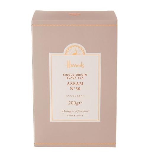This refreshing Indian blend delivers intense flavour that instantly warms on chilly evenings. Sourced in India, Harrods Assam loose leaf tea will leave you feeling invigorated thanks to its bold taste and colour. Ideal for early winter mornings, it is a bright, coppery liquor that has a rounded malty flavour, and once combined with milk, results in a refreshing full-bodied blend of tea.   NUTRITIONAL INFORMATION-PER 100G   NEED TO KNOW Vegan 200g Tea origin: India INGREDIENTS-ALLERGENS IN BOLD 100% black tea.