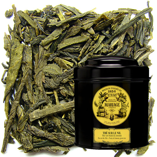 A whiff of adventure : this blend will take you to the ends of the world, where the thoughts of enchanted voyagers dwell.   Citrus fruit from forgotten lands and refined spices wonderfully scent this fine green tea.   A flight of fancy - a timeless tea.
