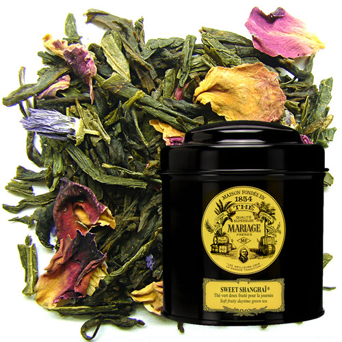 To celebrate Shanghai as the gateway to the Chinese Empire, Mariage Frères has blended a green tea-a symbol of eternal China, the shared link between lords and commoners-with exotic fruit to create a cup simultaneously stimulating and mild, sweet and fruity, with aromatic and pleasantly perfumed grace-notes.