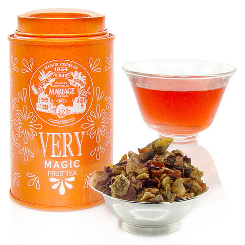 A brand new, 100%-original line from Mariage Frères.   The «Very» collection is a line of 'fruit teas' composed from highly select fruit. Veritable odes to nature and flavour, they should be steeped like tea, hot or cold.   With this new «VERY MAGIC», discover a citrus sensation with morsels of apple, flowers of eglantine and hibiscus, rose buds, and zests of citrus fruit.