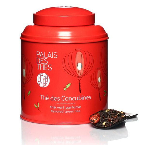 In creating Thé des Concubines, Palais des Thés wanted to recapture the unique, welcoming atmosphere of a Chinese tea house.  This rare tea is a refined, delicate blend of green and black China teas with rich, fruity notes of cherry, mango and vanilla. Sweet and fruity, it contains rose petals and pieces of fruit.  The canister, containing 100g of whole-leaf tea, features a radiant illustration evoking China:  Made from lacquered metal, it protects tea from air and light.  The canister contains 100g of whole-leaf tea.