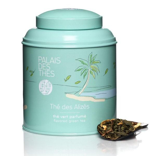 Thé des Alizés is a green tea enlivened by flower petals and delicately scented with pieces of white peach, kiwi and watermelon. The green tea and the juicy freshness of the fruit are wonderfully balanced. Equally delicious hot or iced.  The canister, containing 100g of whole-leaf tea, features an illustration evoking dreams and getting away from it all:  Made from lacquered metal, it protects tea from air and light.  The canister contains 100g of whole-leaf tea.