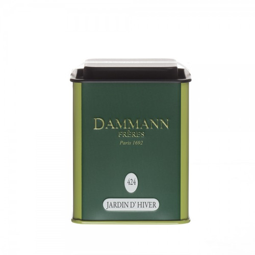 A balanced blend of hawthorn and mallow flowers, lime flower and apple pieces, enriched by notes of liquorice, cinnamon, vanilla and orange blossom. A rich, deliciously scented herbal tea. Infusion: 6 minutes Net weight: 80 g / 2,82 oz Packed in metal tin. Dominant note: Gourmet notes Note(s) secondaire(s) : Aromatic plants Type(s) of tea: Herbal Tea Main flavour: Lime blossom Complementary flavour(s): Licorice, Caramel, Orange blossom