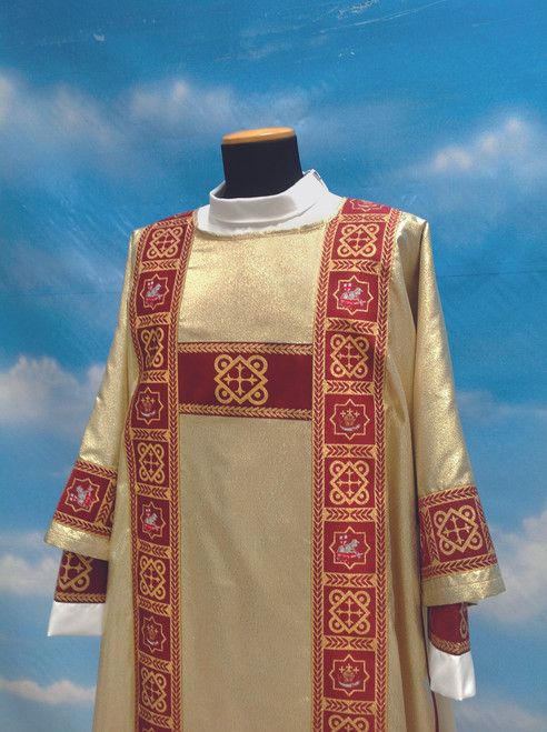 #485 Gold Paschal Lamb Dalmatic    Wool/Poly/Gold Thread