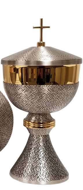 #795 Cross Hatched Silver Oxidized Ciborium   Holds 275 Hosts   Oxidized Silver & 24K Gold Plated