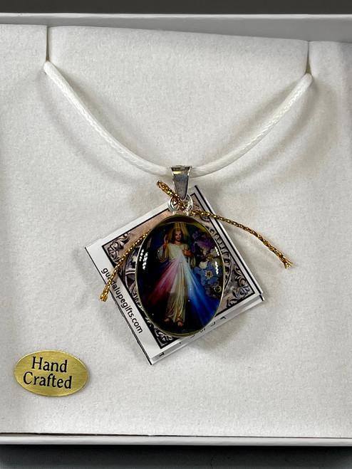 "1"" Divine Mercy Pressed Flower Pendant | Handmade In Mexico"