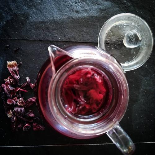 Top 11 Surprising Benefits of Hibiscus Tea