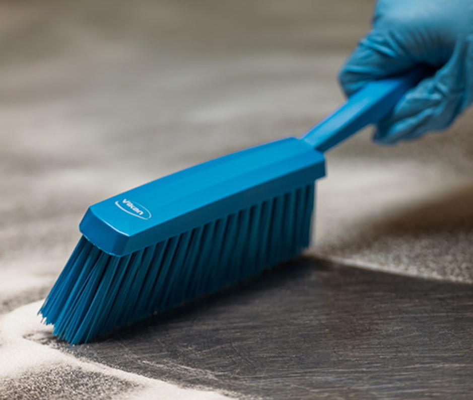 Choosing the Correct Bristle Type for Your Cleaning Brushes
