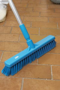 "Vikan 3178 16"" Fine Particle Push Broom w/ Aluminum Handle"