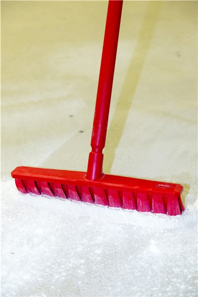 "16"" UST Medium Wet/Dry Floor Broom w/ 60"" Polypro Handle in Action"