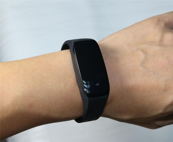 Bracelet Mini Camera FHD 1080P Secrect Camcorder 135 Degree Wide Angle Video Recorder Micro Cam with Water-Risistence Wristband