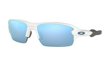 Oakley Flak XS Sunglasses (Youth Fit) - Polished White / Prizm Deep Water Polarised Angled
