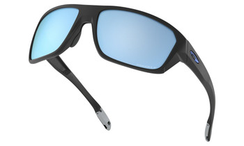 Oakley Split Shot Sunglasses - Matte Black / Prizm Deep Water Polarised Lower Angle
