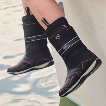 Dubarry Fastnet black sailing boot - action