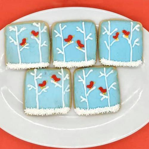 Winter Cardinal Cookies