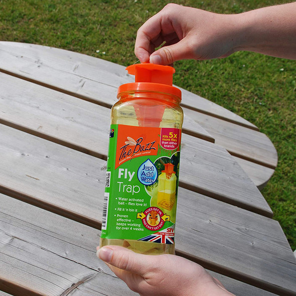 The Buzz Disposable Fly Trap Baited RTU