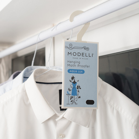 Modelli Hanging Moth Proofer Eliminates Moths with Natural Oils