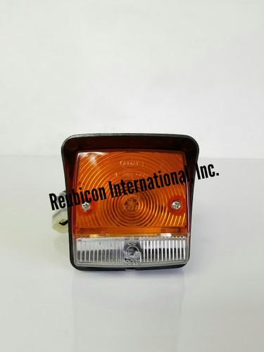 PARKING AND TURN SIGNAL LAMP  MAHINDRA 008000698B91