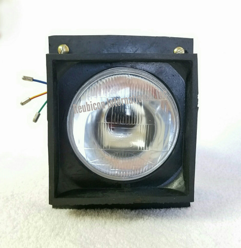HEAD LAMP WITH RUBBER HOUSING  MAHINDRA  005556679R92 / 005558972R92 / 005555510R92