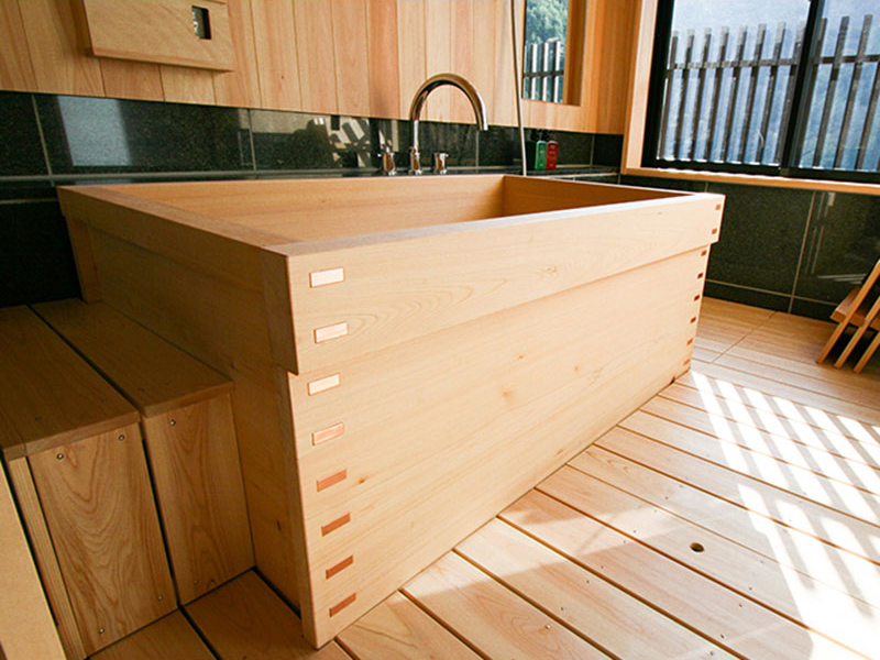Box Type Wooden Bath / Hinoki Bath