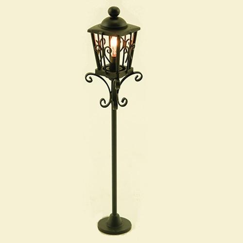 Ornate Iron Post Lamp (MH1010) lit
