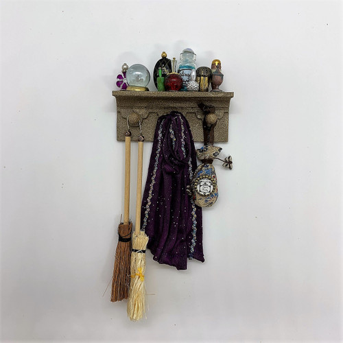 1:12 Scale Miniature Wizard/Witch Wall Rack (SB712)