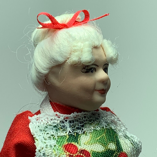 Mrs. Claus (CDD2035) face profile