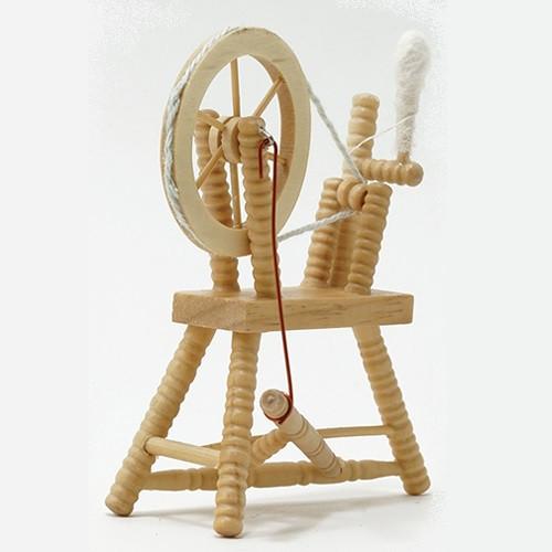 Oak Spinning Wheel (CLA00266) front, side angled