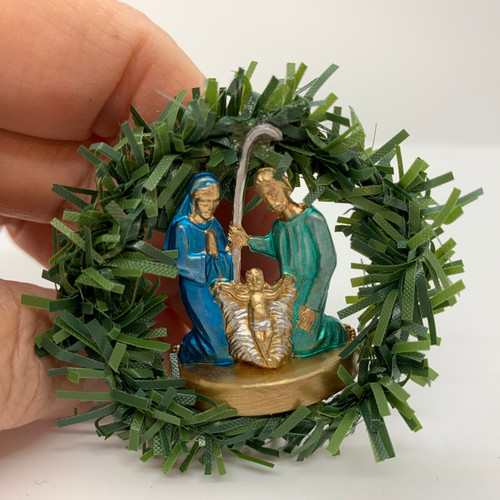 Dollhouse Miniature Wreath With Colorful Metallic Nativity (UFN1143)