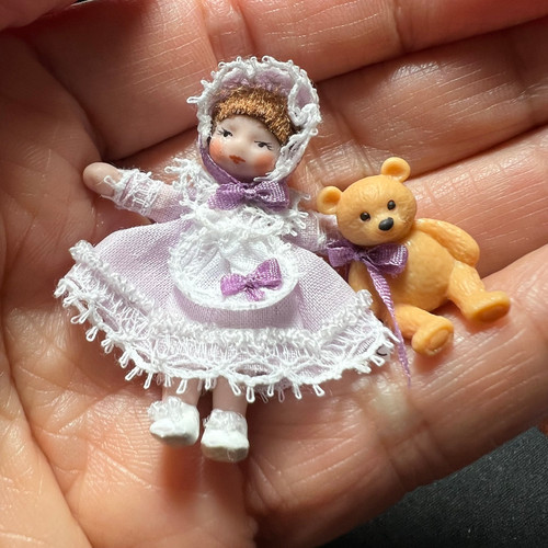 Baby Lucy (ANG1519); shown in hand for scale