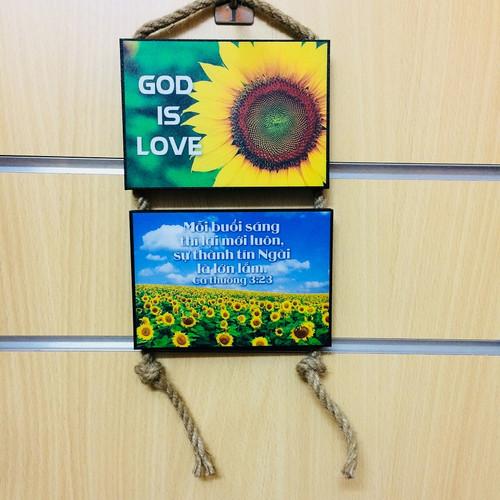 Tranh Lamina Cơ Đốc Dây Treo -  God Is Love -Ca-thương 3:23