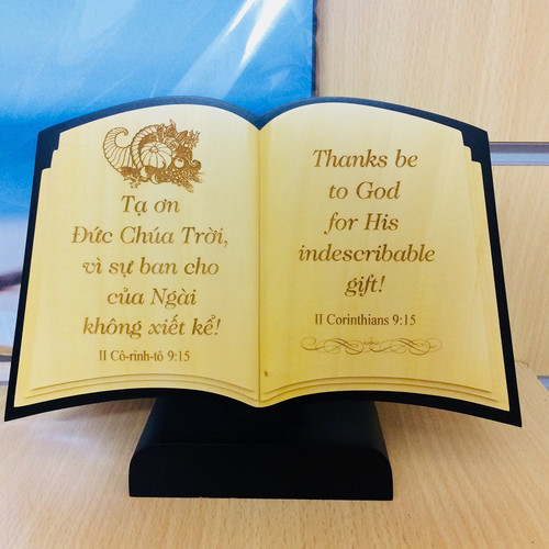 Quyển Sách Gỗ Để Bàn - II Cô-rinh-tô 9:15
