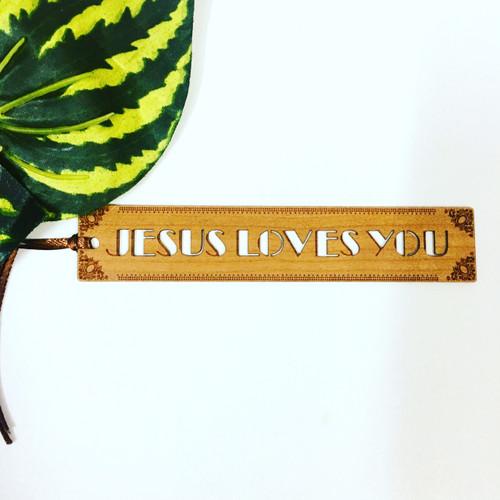 Bookmark Gỗ Rỗng Nhỏ - Jesus Loves You- BM-1822
