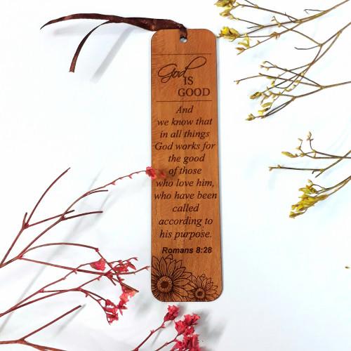 Bookmark Gỗ lớn - God is good Na-hum 1:7 Tiếng Anh