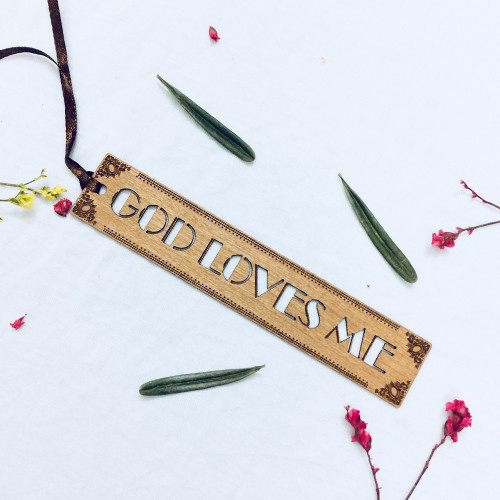 Bookmark Gỗ Rỗng Nhỏ - God Loves Me