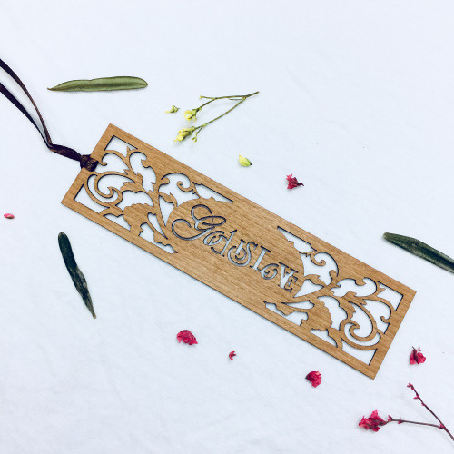 Bookmark Gỗ Rỗng Lớn - God Is Love