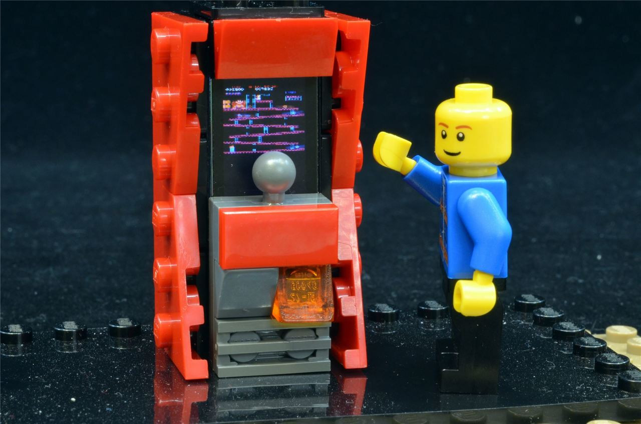 VERY DETAILED /& SHIPS RIGHT AWAY!! LEGO CUSTOM TRON ARCADE MACHINE