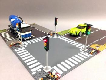 Brickstuff Deluxe 4-Way LED Traffic Light Intersection Kit - Brick-Built Traffic Lights - Fixed Design - KIT17D