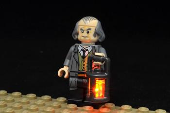Brickstuff Flickering Orange LED LEGO Lantern - QK14
