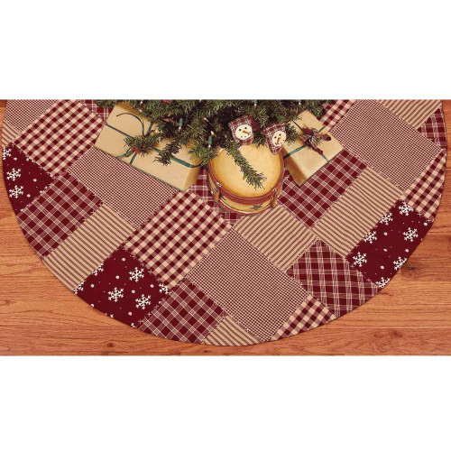 Patchwork Christmas Barn Red Tree Skirt