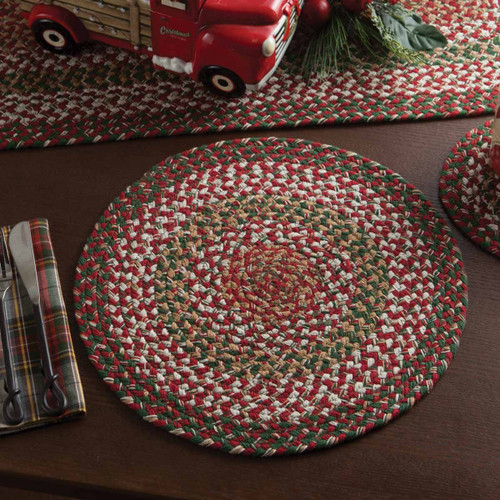 HOLLY BERRY BRAIDED PLACEMAT