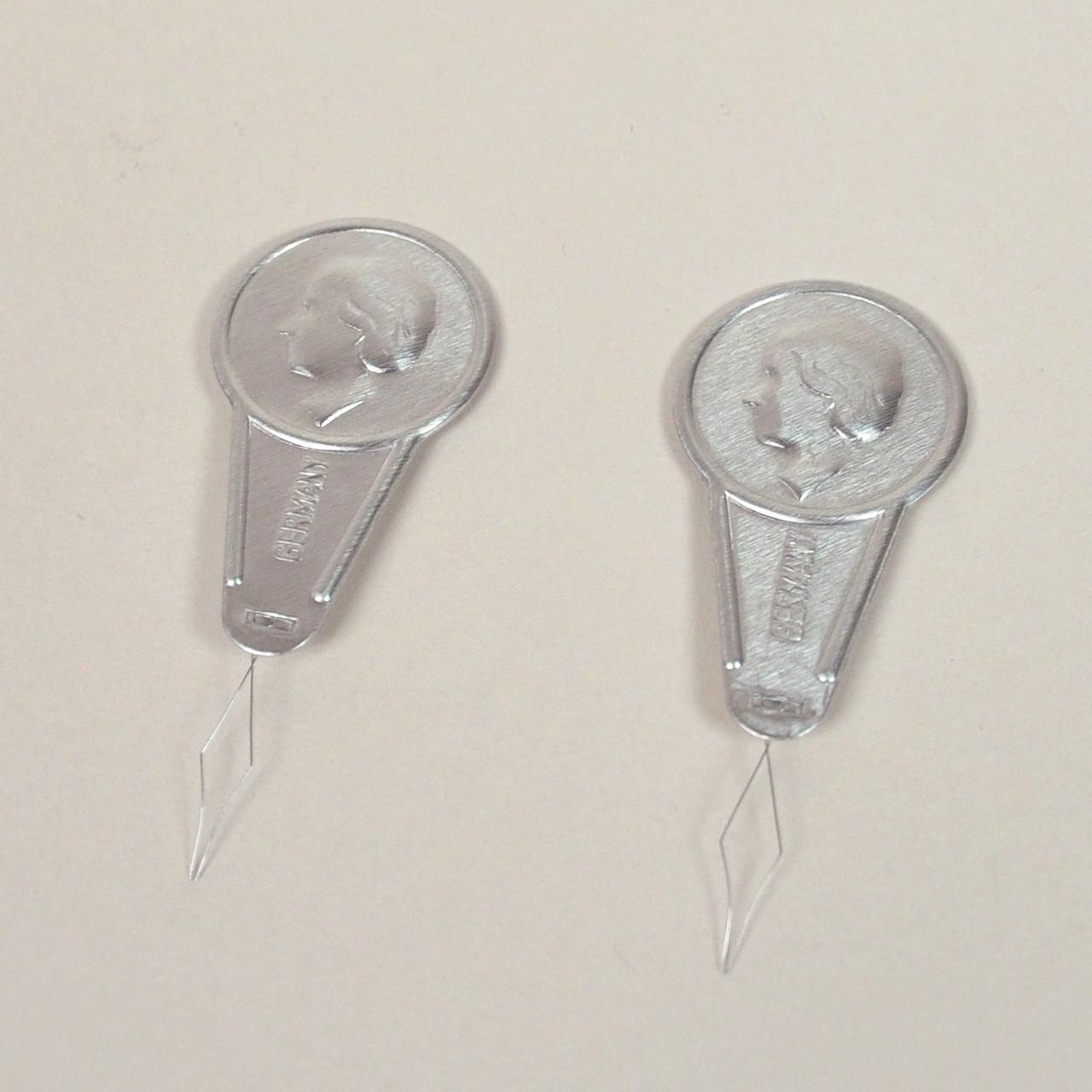 New Needle Threader 2-pack Other Art Supplies