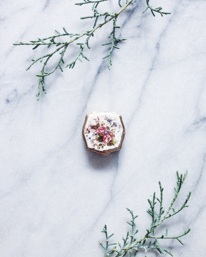 vintage solid perfume compact - bouquet box