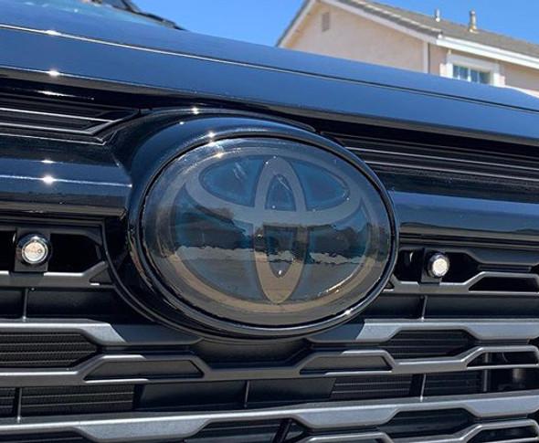 Toyota RAV4 (19-  ) Emblem Covers